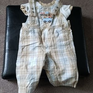 Carter's 2 piece matching set